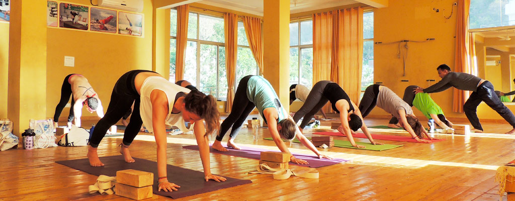 yoga instructions in spanish