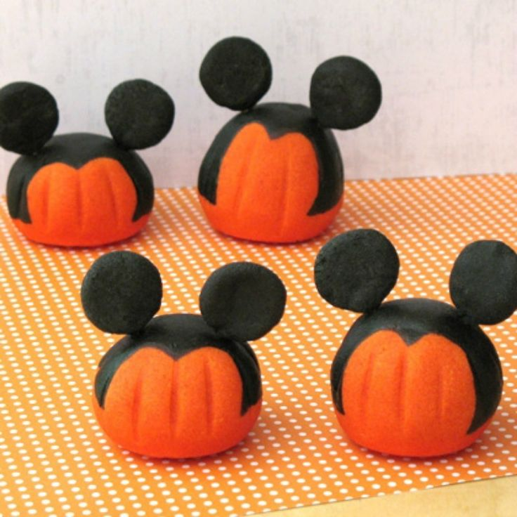 mickey mouse pumpkin carving instructions